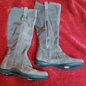 DKNY gray leather flat boots